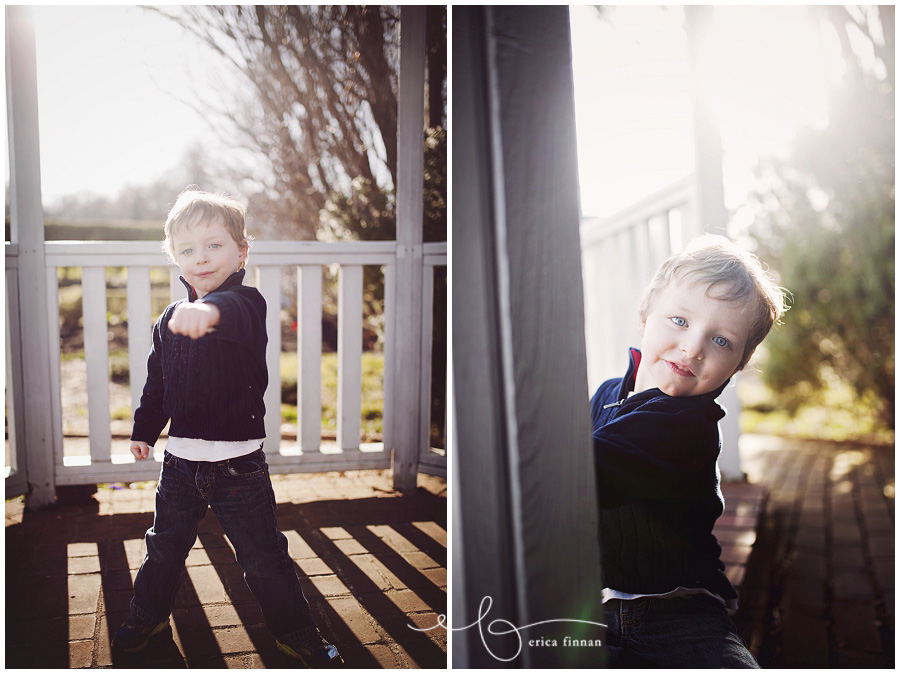 3 year old with family at kingwood center photography session