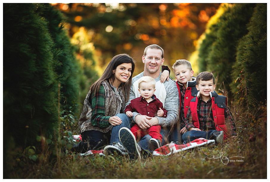 Christmas tree farm photography sesssion